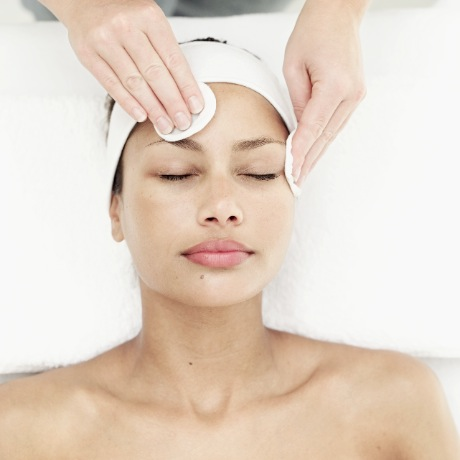 Aromatherapy Facial Treatment and Training